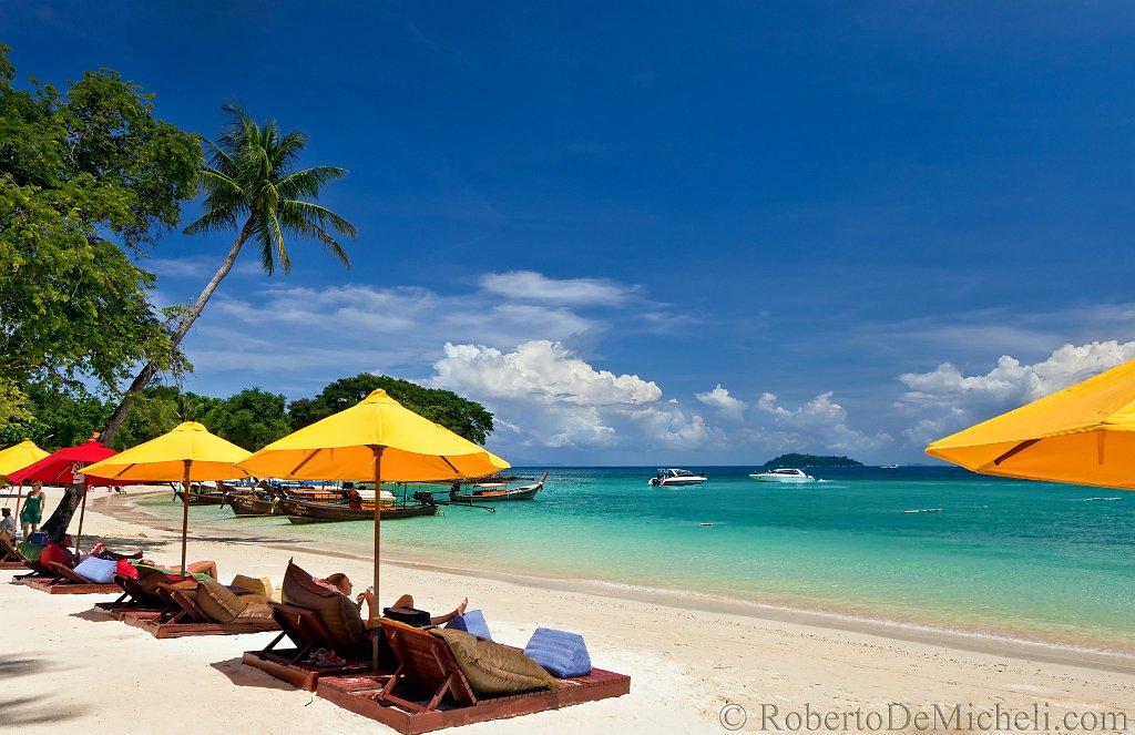 Island Resort Beach Chairs